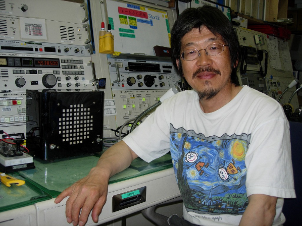 昭和基地のアマチュア無線局 | 公益財団法人日本極地研究振興会